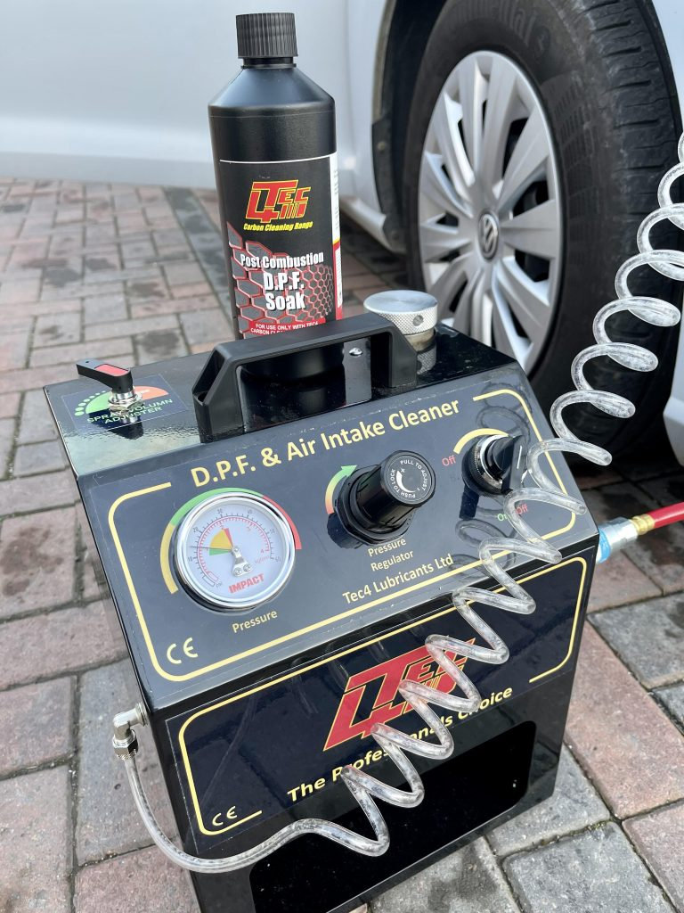 DPF cleaning system